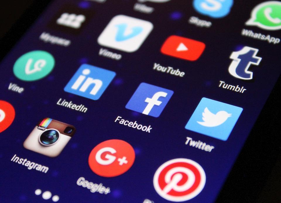 Contenu web : comment trouver des idées de sujets qui incitent le partage